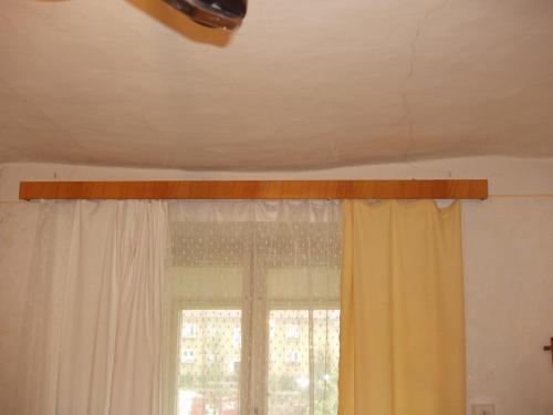 prohnuty strop